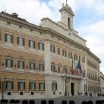 717px-Palazzo_Montecitorio_Rom_2009